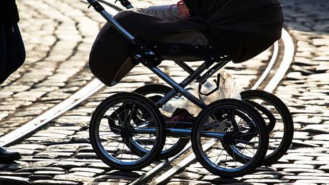 New York: 1-jähriges im Kinderwagen erschossen! - Foto: iStock/Sergey Granev/Symbolbild