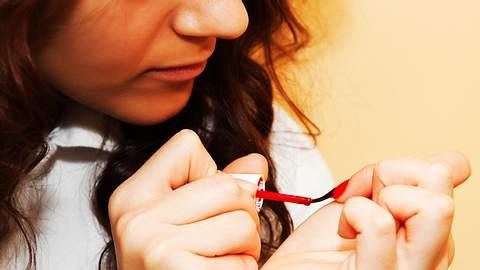 Öko-Test: 19 von 25 Nagellacken enthalten krebserregende Stoffe - Foto: iStock