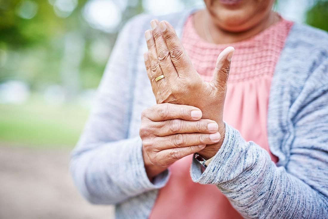 Osteoporose: So kann die Homöopathie helfen