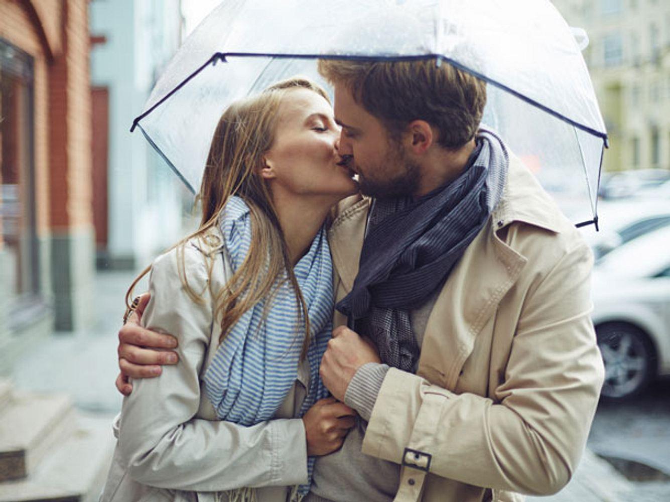 Das ist der genau richtige Größenunterschied beim Küssen
