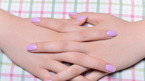Abnehmbaren Fingernägel für Zuhause - Foto: i-Stock
