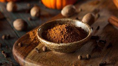 Pumpkin Spice selber machen: so gelingt das beliebte Gewürz zuhause - Foto: bhofack2/iStock