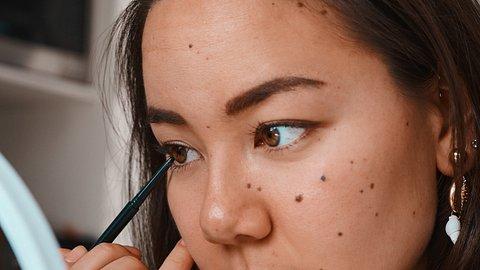Kulleraugen sind jetzt im Trend: So schminkst du sie! - Foto: Hiraman/iStock