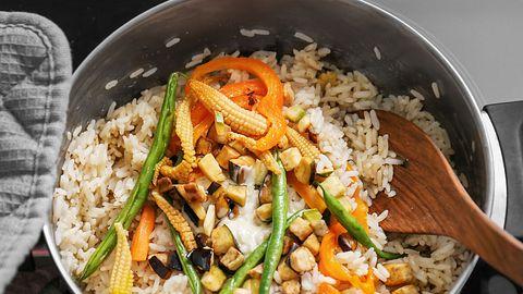 Diese Reisgerichte kannst du ganz leicht nachkochen. - Foto: iStock/sereziy