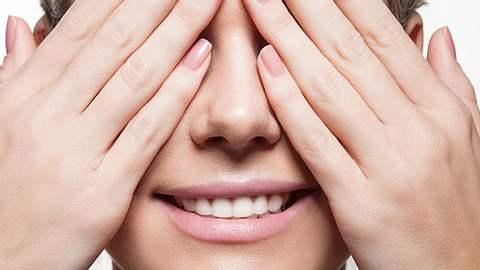 Rosenquarz-Nägel sind ein besonders schöner Nageltrend - Foto: Istock