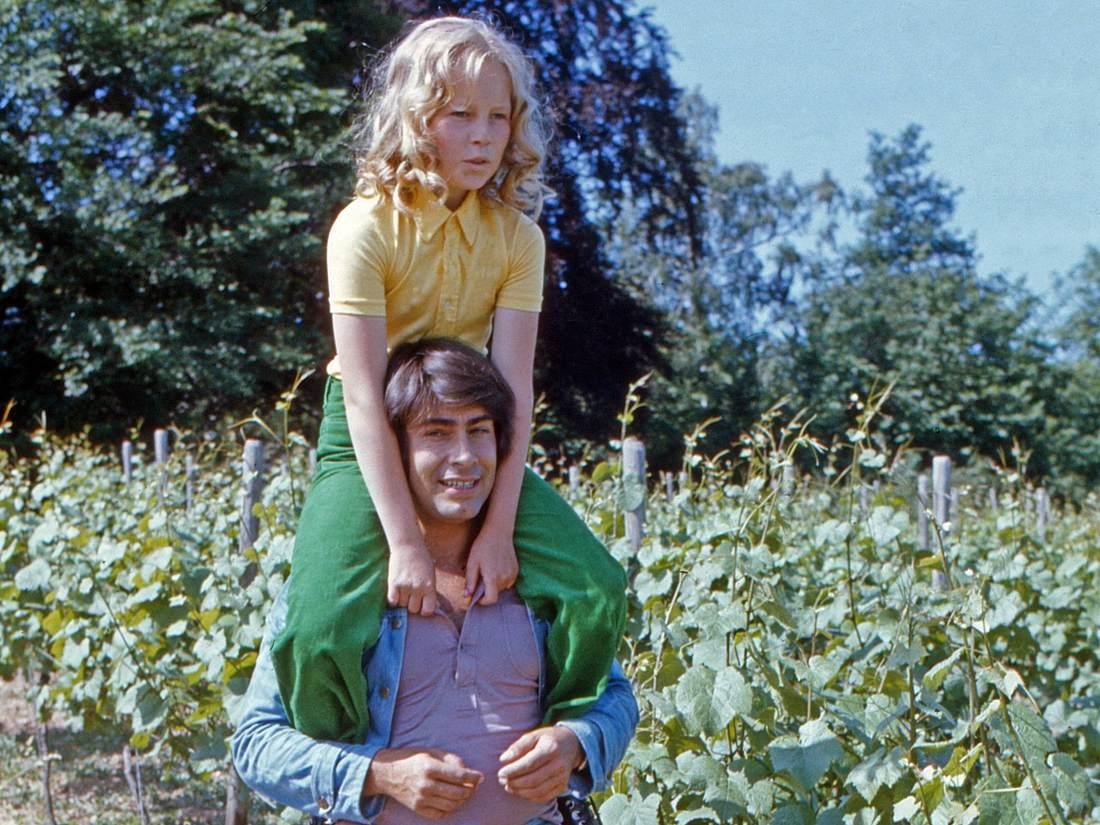 Roy Black und Anita Hegerland bei den Dreharbeiten zum Film Alter Kahn und junge Liebe , Deutschland 1973.