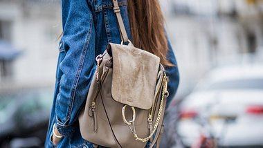 Praktisch und modisch zugleich: Das können die Rucksack Trends 2019 - Foto: GettyImages