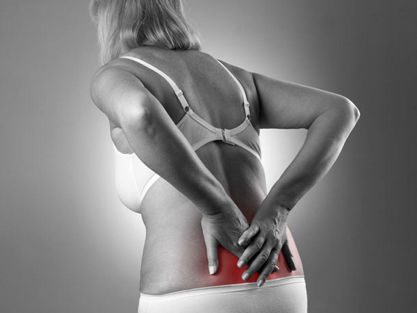 Nicht die Bandscheibe, sondern verklebte Faszien sind der Grund für die meisten Rückenschmerzen.