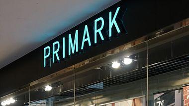 Rückruf bei Primark: Giftige Schuhe in ganz Deutschland verkauft - Foto: iStock/Heiko Küverling