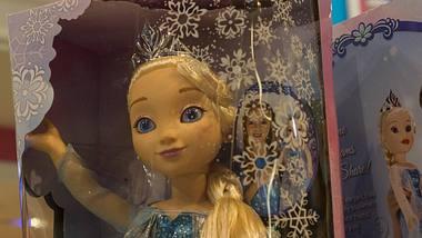 Rückruf von Disneys Frozen-Figur Elsa - Flammschutzmittel entdeckt - Foto: imago images / Levine-Roberts/Symbolbild