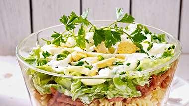 schichtsalat mit nudeln und kasseler - Foto: RFF