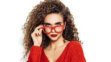 Make-up mit Brille ist gar nicht so einfach: Diese Schminktipps helfen Brillenträgerinnen. - Foto: iStock