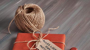 Schnelles Geschenk zum Muttertag selber machen. - Foto: anyaivanova/iStock