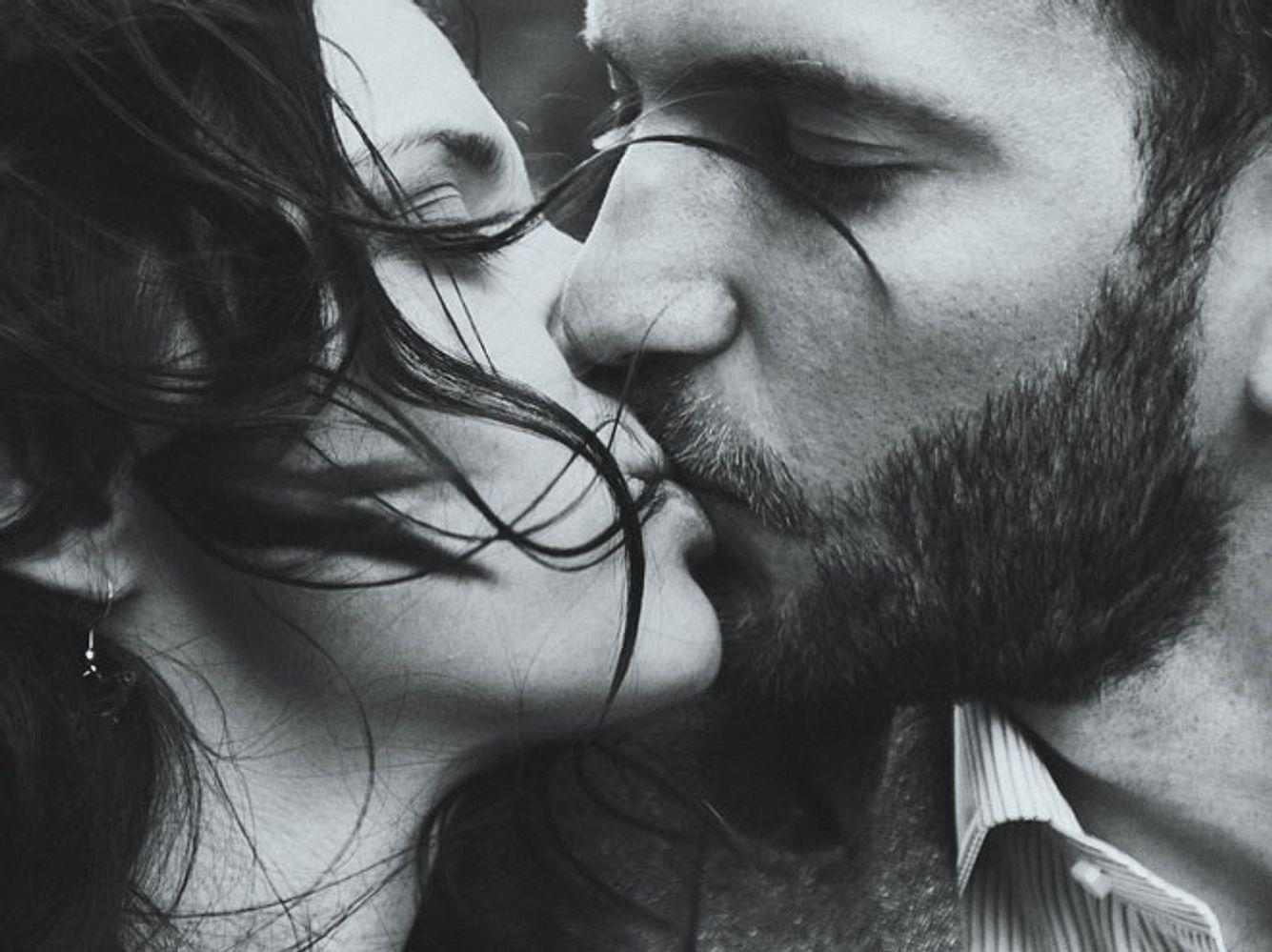 Die Aufarbeitung der Gründe für Untreue kann für eine Beziehung einen erlösenden Neustart möglich machen.