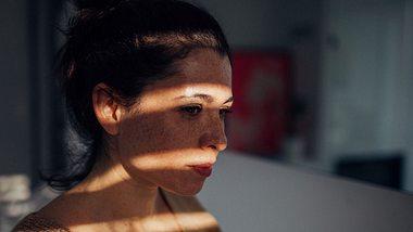 Selbstsabotage: Ursachen und Tipps, mit denen du es beendest - Foto: iStock/ AleksandarNakic