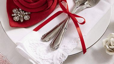 servietten falten rose valentintsga neu - Foto: deco&style