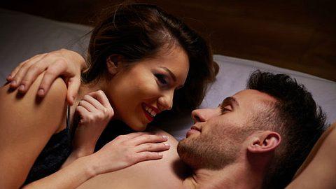 Sex mit dem Ex kann so verführerisch sein. Was nach dem Sinnesrausch von euch übrig bleibt. - Foto: iStock