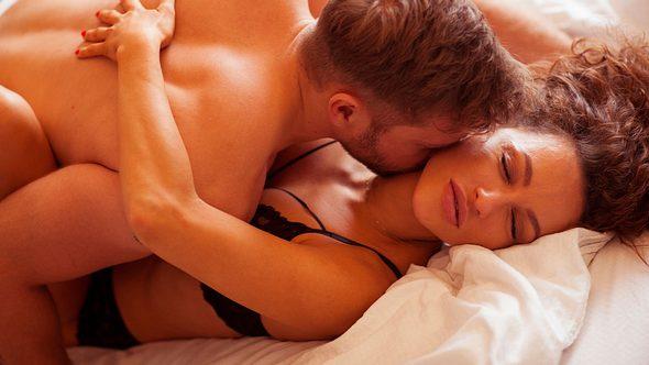 Paarvibratoren eröffnen dir und deinem Mann ganz neue Orgasmus-Sphären! - Foto: iStock