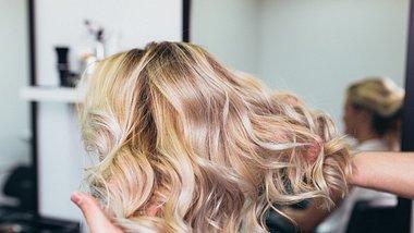 Shadow Hair ist der neue Färbe-Trend. - Foto: hedgehog94/iStock