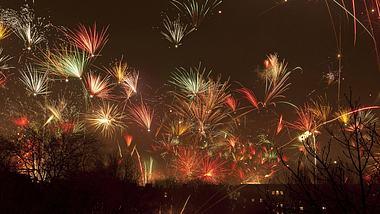 Wird es Feuerwerke in diesem Jahr an SIlvester nicht geben? - Foto: imago images / imagebroker