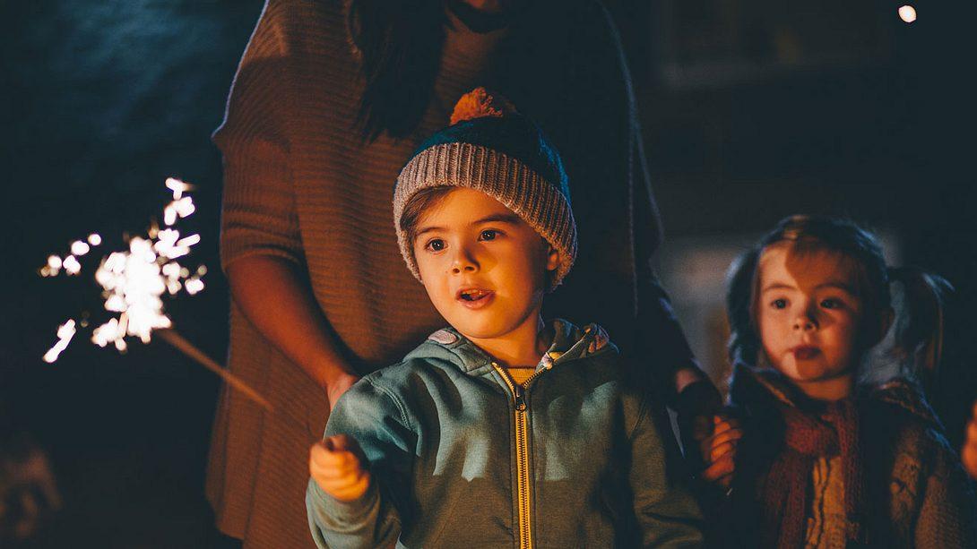 Silvester feiern mit Kindern: Die schönsten Ideen zum Nachmachen - Foto: iStock
