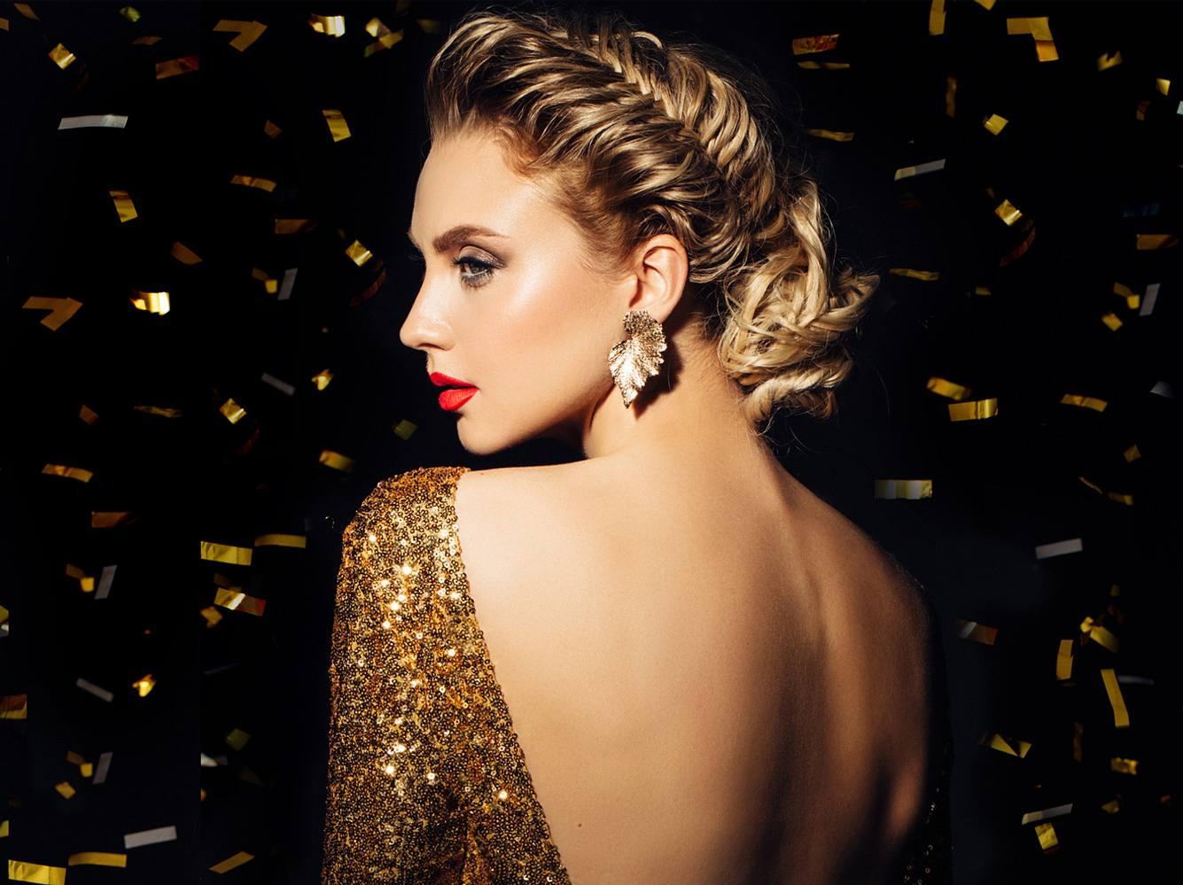 Silvester Frisuren sollen vor allem glamourös und dabei einfach zu stylen sein.