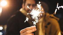 silvester getrennt feiern - Foto: iStock