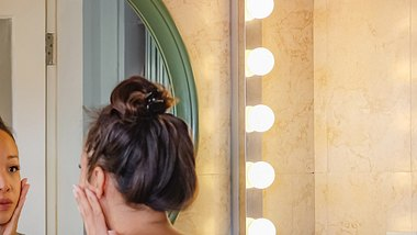 Skin Picking ist eine ernstzunehmende Krankheit. - Foto: Kanawa_Studio/iStock