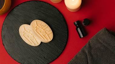 Festes Massageöl zur Selbstmassage - Foto: PR Lush