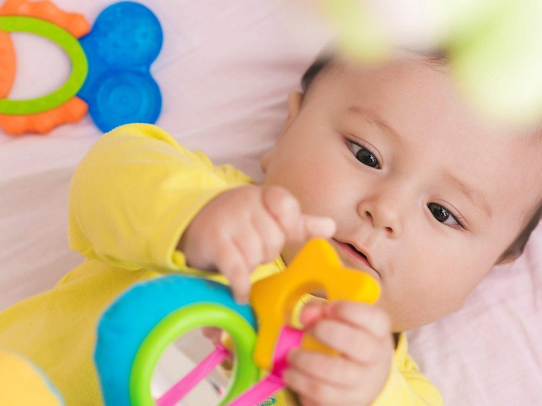 Buntes Spielnest für Babys