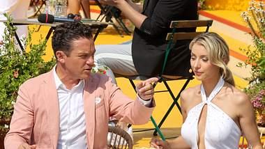 Stefan Mross und Anna-Carina Woitschack - Bei den beliebten Schlager-Stars scheint der Haussegen mächtig schief zu hängen … - Foto: IMAGO / STAR-MEDIA