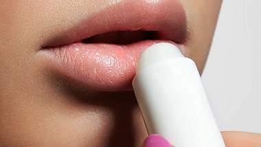 Stiftung Warentest: Lippenpflegestifte im Test - Foto: iStock