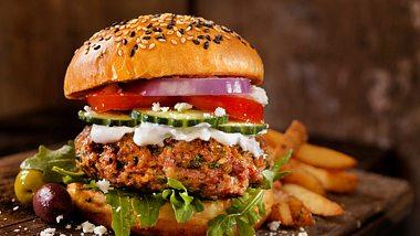 Stiftung Warentest: Die Veggie-Burger Patties von Iglo Green Cuisine sind mangelhaft - Foto: Lauri Patterson/iStock