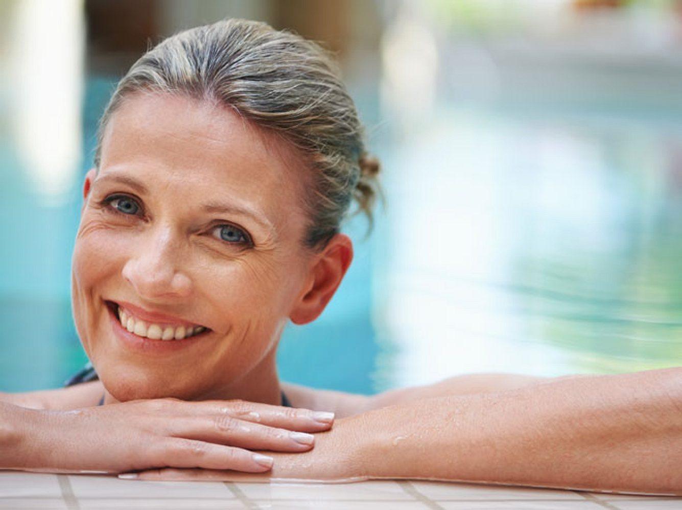 Schwimmen ist die perfekte Sportart bei Blasenschwäche.