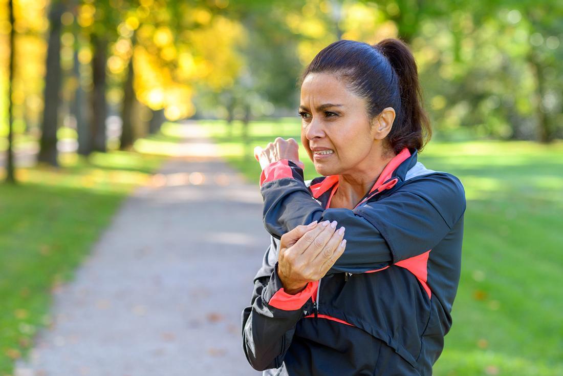 Tennisarm: Ruta hilft bei Entzündung am Ellenbogen