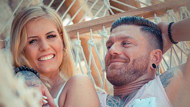 Till Adam und seine Hanna führen eine On-Off-Beziehung. - Foto: VNOW / Frank Fastner