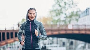 Trainingsplan für den 10km-Lauf in unter 60 Minuten - Foto: iStock/ pixelfit
