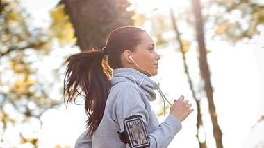 Trainingsplan für einen 5-km-Lauf für vier Wochen - Foto: iStock/ PointImages