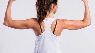 Übungen für Winkearme: So bekommst du straffe und starke Oberarme - Foto: iStock/ Halfpoint