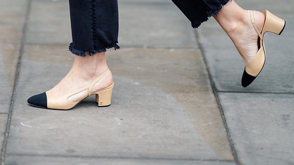 Ugly Granny Heels sind DER Fashiontrend 2019: Wir verraten wie du sie extra-stylish kombinieren kannst. - Foto: Getty Images