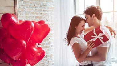 Valentinstag-Geschenke für Männer 2021 - Foto: Foto: istock.com/Vasyl Dolmatov