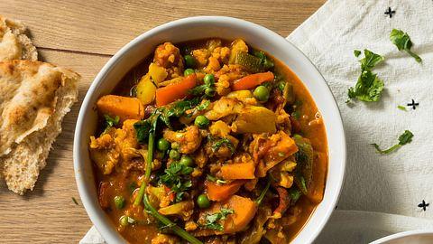 Ein herrliches Curry schmeckt auch vegetarisch fabelhaft. - Foto: iStock/bhofack2