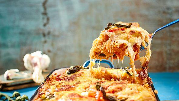 Couscous in Form eines vegetarischen Auflaufs. Ein kulinarischer Traum wird wahr. - Foto: House of Food / Bauer Food Experts KG