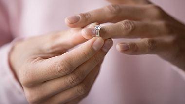 Wann trennen sich Frauen und warum genau machen sie Schluss? Wir haben Antworten. - Foto: iStock / fizkes