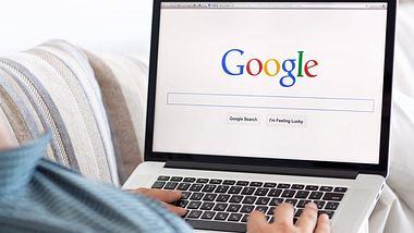 10 Dinge, die Männer heimlich über Frauen googeln - Foto: iStock/Prykhodov