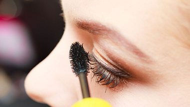 Wasserfeste Mascara: Das solltest du darüber wissen - Foto: iStock