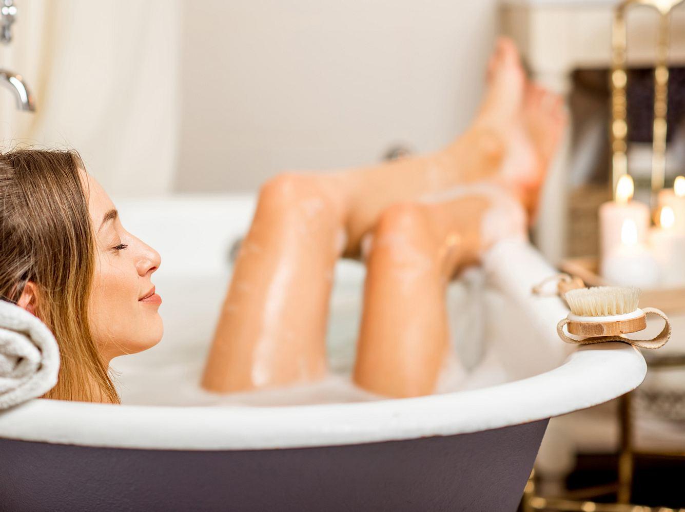 In der 1. Woche des weiblichen Zyklus tut Entspannung besonders gut.