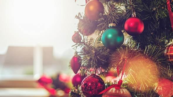 Weihnachtsbaumschmuck: Schöne Inspirationen für die Tanne - Foto: iStock