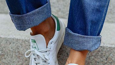 weisse sneaker styling - Foto: Getty Images