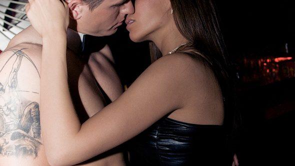 Wifehsaring ist ein neuer Sex-Trend, den immer mehr Paare ausprobieren wollen. - Foto: iStock